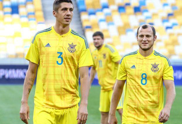 Стало відомо, чому провідний захисник залишив збірну України перед матчем зі Словаччиною