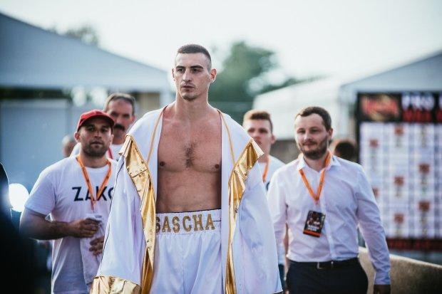 Найкращий український суперважковик жорстко розправився з латвійцем