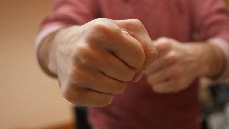 Помста з боку уболівальників? В Братиславі жорстоко побили футболіста збірної Словаччини