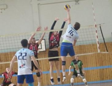Немає сил більше терпіти: Російський волейболіст викинувся з вікна, подробиці трагедії