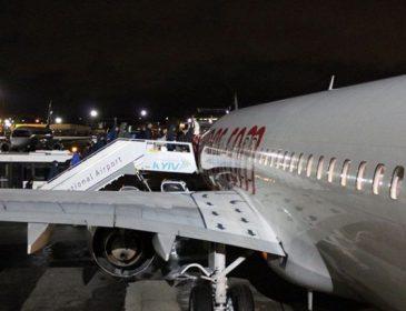 Авіалайнер з гравцями «Олімпіка» і «Десни» не зміг приземлитися в Києві