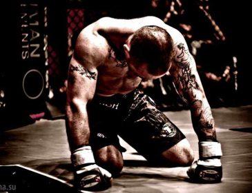 """""""На піку своєї спортивної вершини"""": Легендарний чемпіон UFC оголосив про завершення кар'єри"""